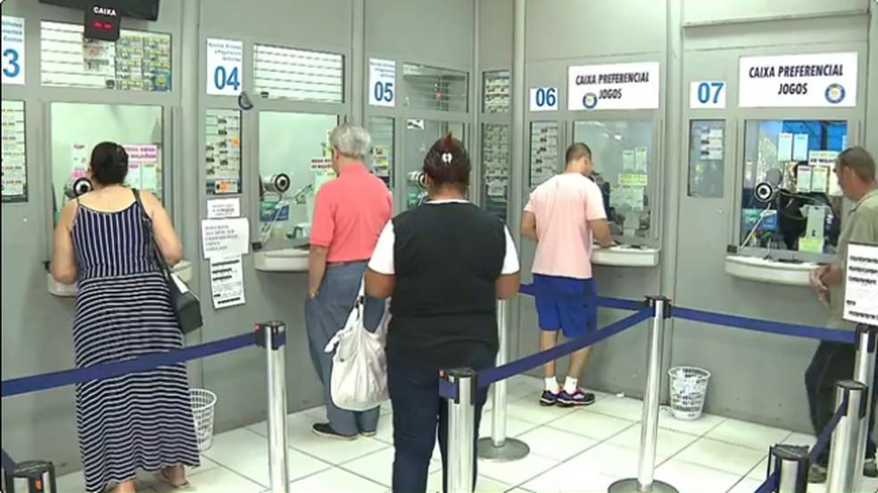 Enel prorroga contrato e contas de energia no Ceará poderão ser pagas em lotéricas (Foto: Reprodução RPC)
