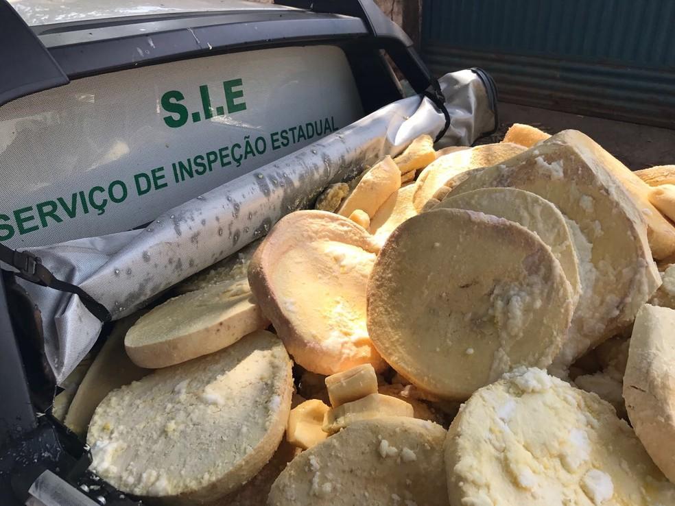 Suspeita da Adapec é de que queijos seriam ralados e vendidos (Foto: Adapec/Divulgação)