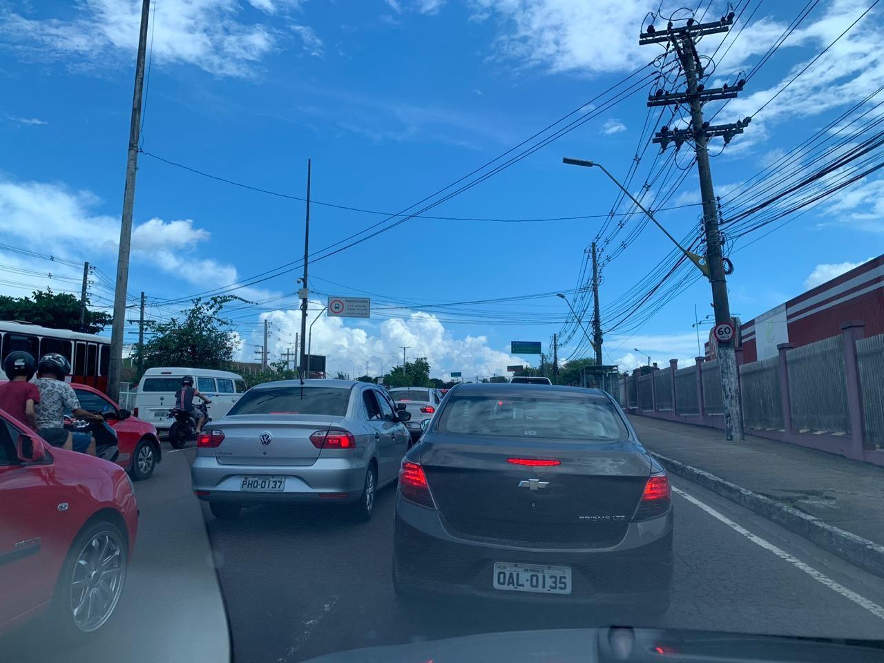 Jogo na Arena da Amazônia causa congestionamento no trânsito de Manaus