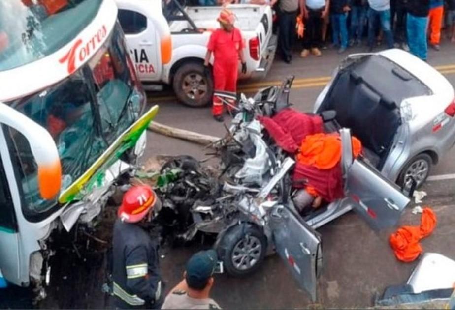 Cinco meninos morrem em acidente de carro após passarem em teste de clube peruano