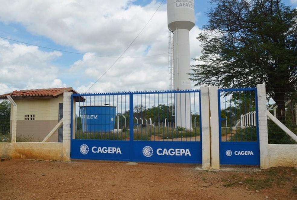 Caixa da Cagepa foi construída dentro da Vila Produtiva Rural Lafayette, em Monteiro, PB — Foto: Érica Ribeiro/G1/Arquivo