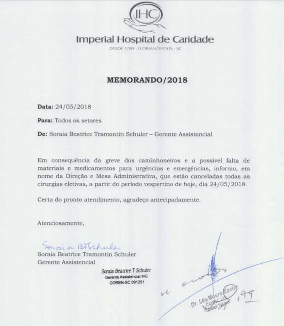 Memorando do Hospital de Caridade, em Florianópolis, informa a suspensão de cirurgia eletiva (Foto: Reprodução)