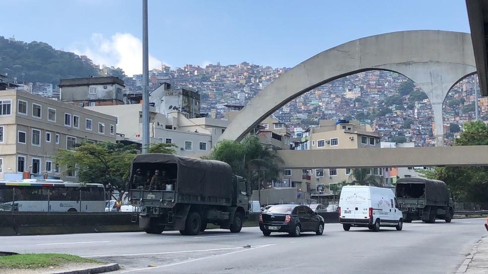 Guerra na Rocinha deixou ao menos 30 mortos no ano passado, quando Rogério 157 invadiu a favela para tomar poder de Nem. — Foto: Ricardo Abreu/GloboNews