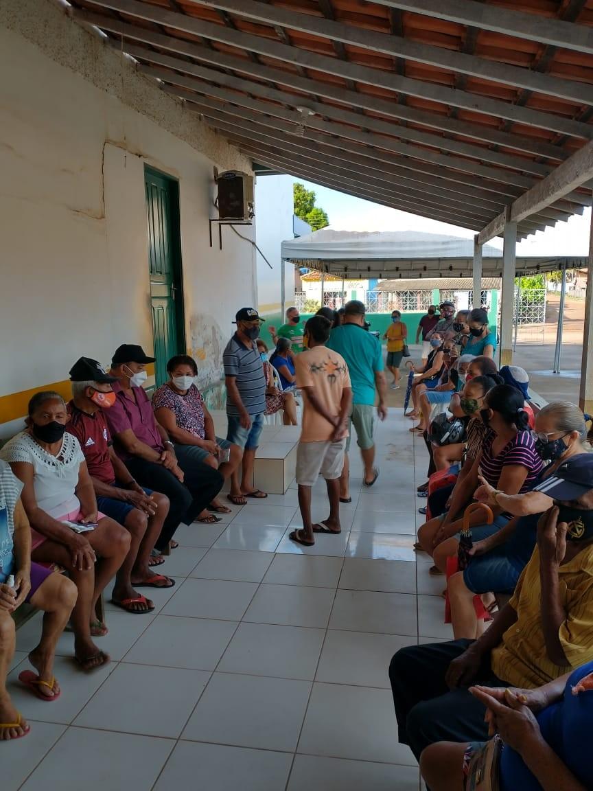 Dia 'D' de vacinação contra a Influenza H1N1 leva centenas de pessoas a postos de imunização em Alenquer