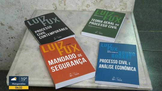 Luiz Fux lança dois livros no Rio