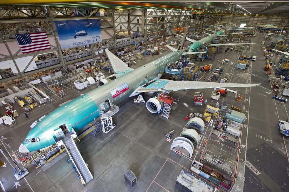 Fábrica da Boeing em Everett, nos EUA, monta modelos 777  (Foto: Divulgação)