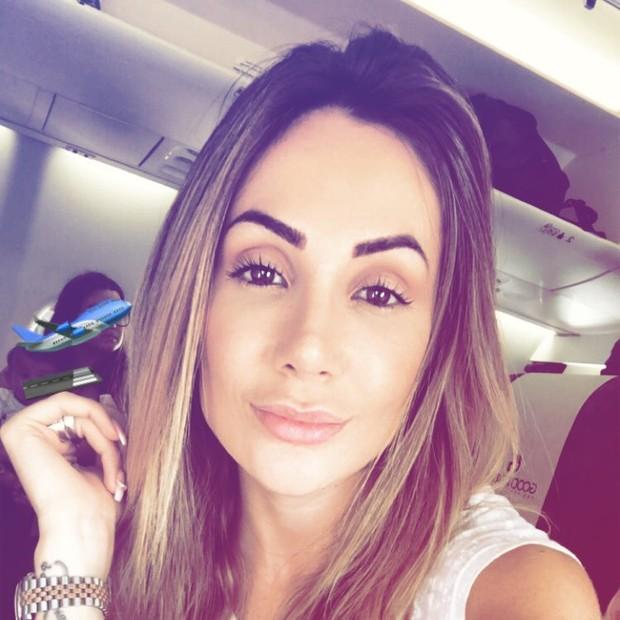 Larissa Pereira, esposa de Firmino, chegando em Samara (Foto: Reprodução/Instagram)
