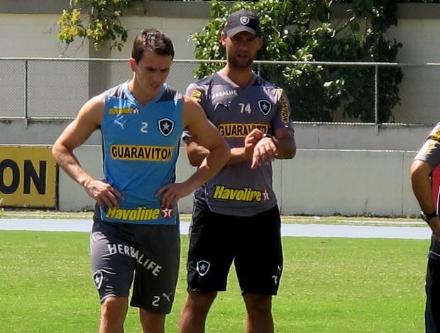Lucas botafogo treino (Foto: Thales Soares)
