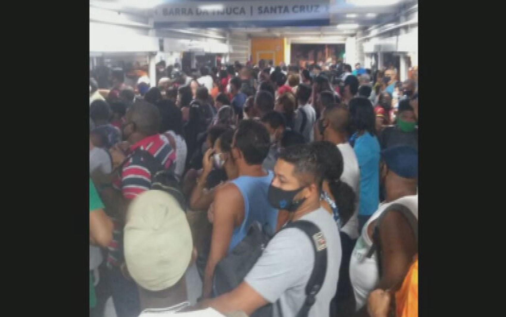 Paes anuncia intervenção no BRT e na bilhetagem dos ônibus do Rio; nova licitação será feita