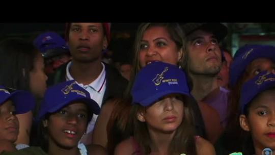 A Banca faz show inédito no Estação Rio e emociona fãs em Duque de Caxias