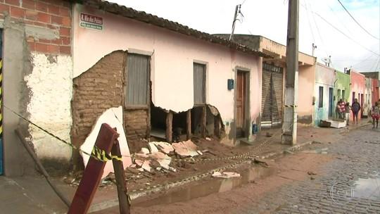 Casas próximas a rio da região atingida por rompimento de barragem na BA serão demolidas, diz governador