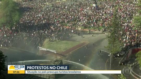 Após protestos no Chile, dois voos de Santiago para Cumbica têm atrasos