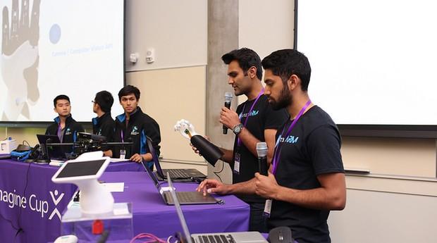 SmartARM, time canadense da Universidade de Toronto (Foto: Divulgação)