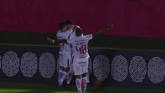 """Cuesta vive auge no Inter e alia técnica a raça para conquistar torcida: """"Dou a vida"""""""