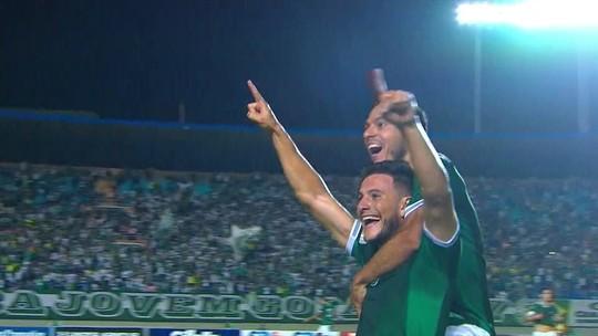 Leandro Barcia volta para o Uruguai na folga e vai torcer pela Celeste à distância