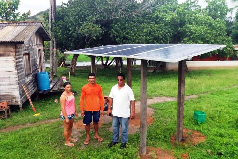 Quatro agricultores de Almeirim aumentaram em cerca de 30% a produtividade de suas atividades com o  uso de energia solar — Foto: Ascom Emater/Divulgação