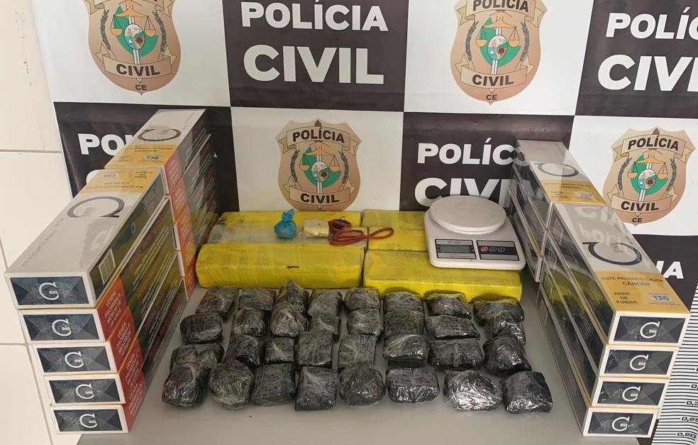 Polícia Civil realiza operação contra o tráfico e prende mãe e filho em Crateús — Foto: PCCE/Divulgação