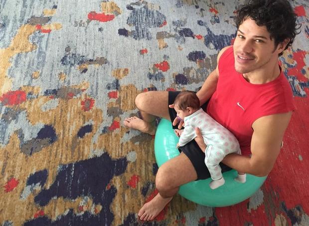 José Loreto com a filha (Foto: Reprodução Instagram)