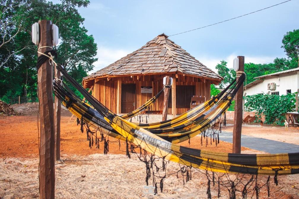 Prédio foi construído pelos próprios índios da região — Foto: Davison Rafael