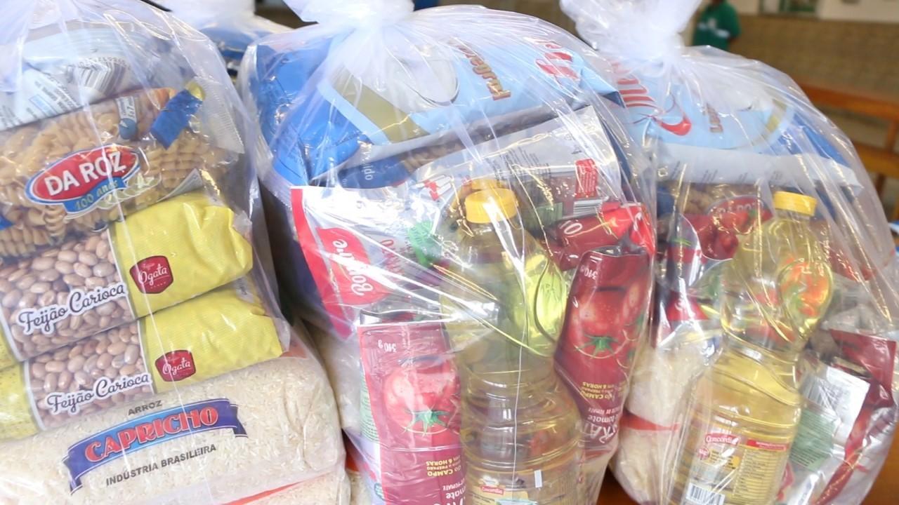 Prefeitura de Bertioga inicia distribuição dos kits de alimentos para alunos da rede municipal
