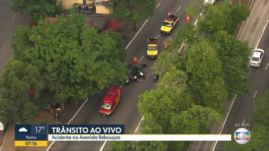 Duas pessoas se ferem em acidente na Avenida Rebouças