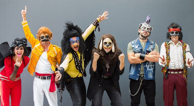 Músicos da banda Rock Pauleirinha vestidos de bichos que são ícones do rock (Foto: Reprodução)