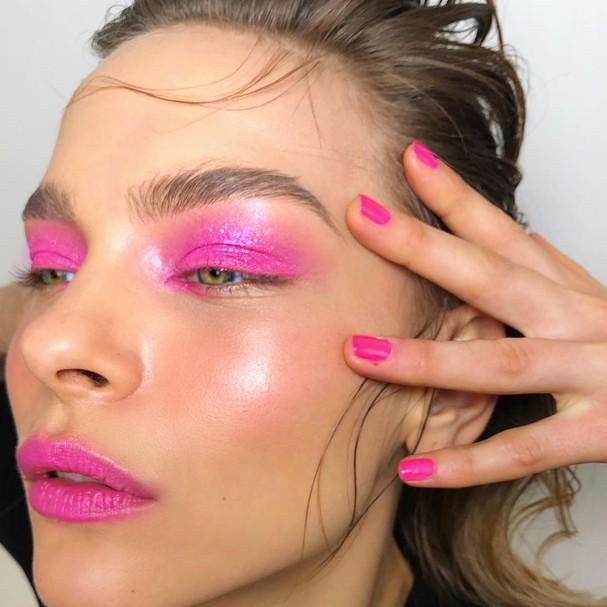 A Maquiagem Anos 1980 Voltou Aprenda A Usar No Dia A Dia