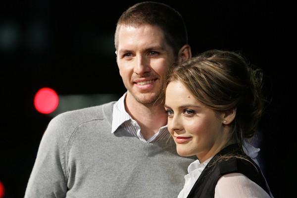 A atriz Alicia Silvestone com o ex-marido, o músico Chris Jarecki (Foto: Getty Images)