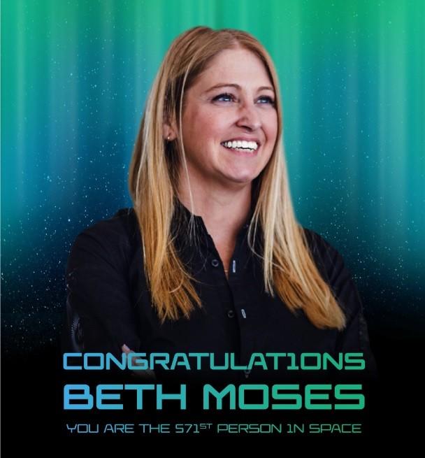 Beth Moses é a 571ª pessoa a ir para o espaço (Foto: @virgingalactic / Twitter)