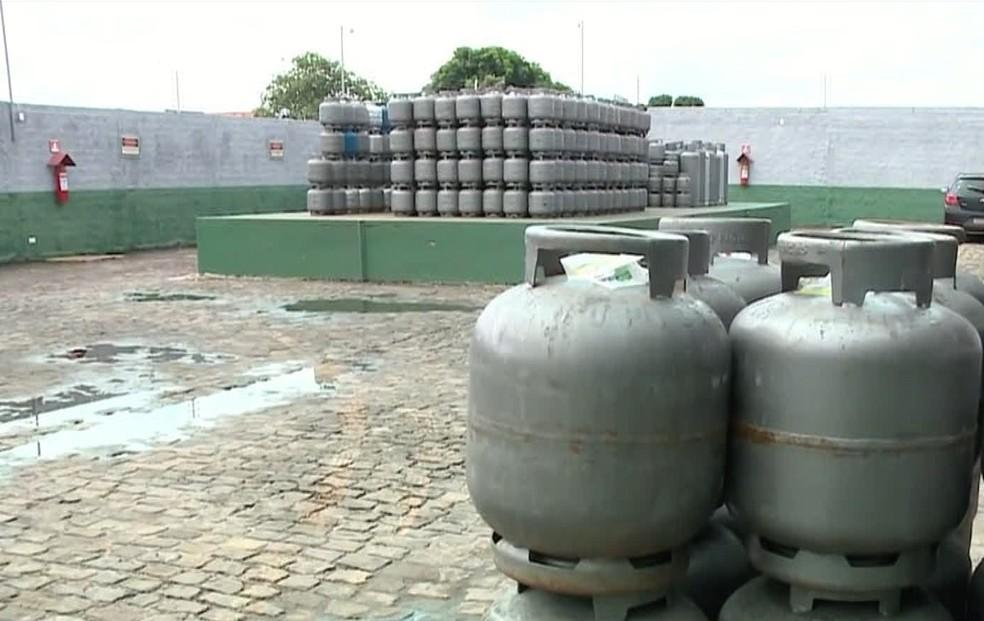 Botijão de gás fica R$ 10 mais caro a partir desta quarta (1) no Piauí — Foto: Reprodução/TV Clube