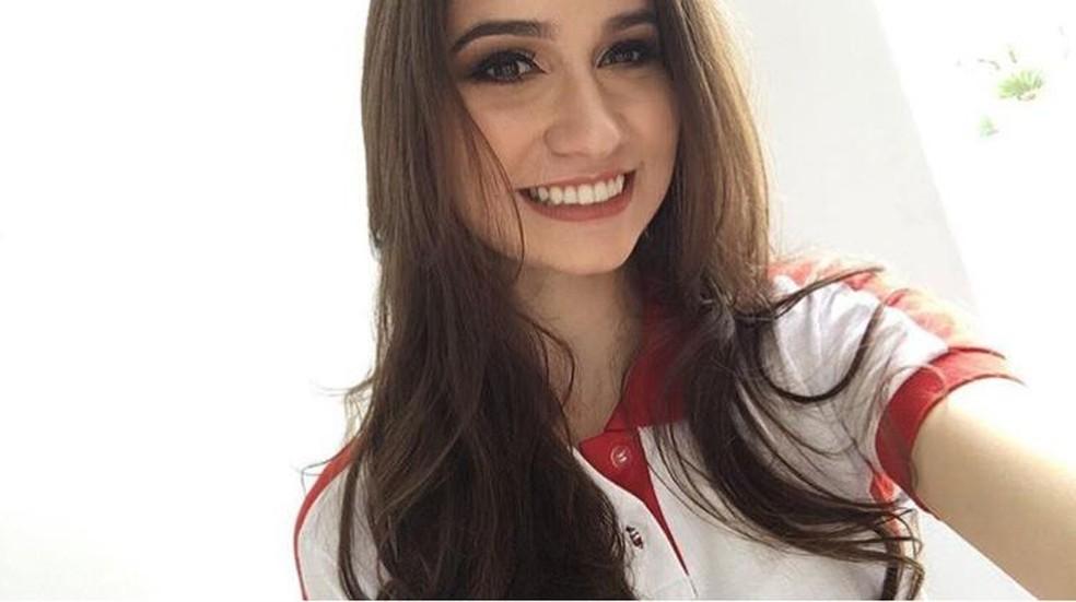 Estudante potiguar Carolina Mendes concluiu o ensino médio em 2017 e conseguiu nota 1000 na redação do Enem 2018 — Foto: Arquivo Pessoal