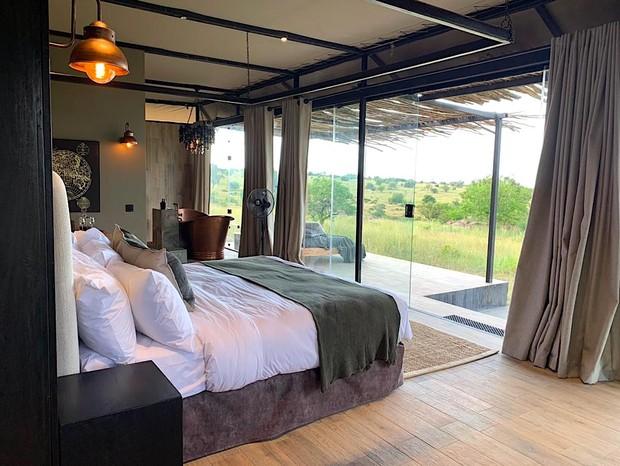 Luciana Gimenez curte safári e resort de luxo com diária de até R$ 150 mil (Foto: Divulgação)