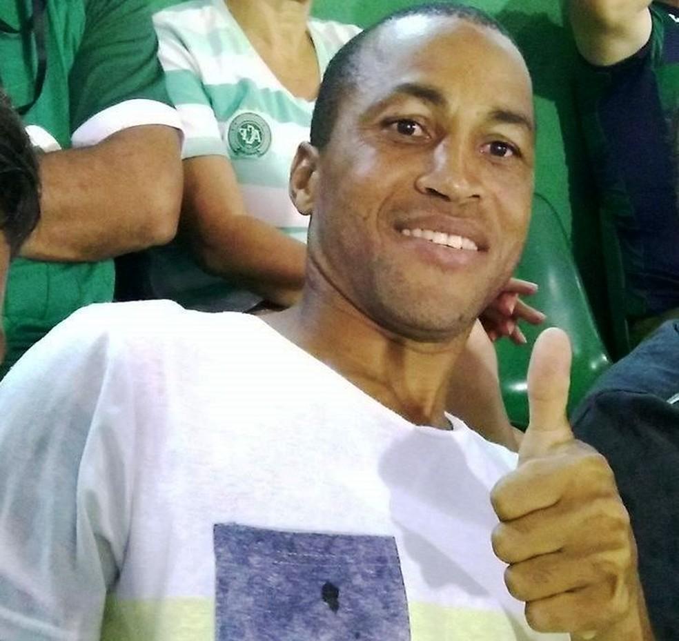 Fabinho teve duas passagens pelo time da Chapecoense  (Foto: Facebook/Reprodução)