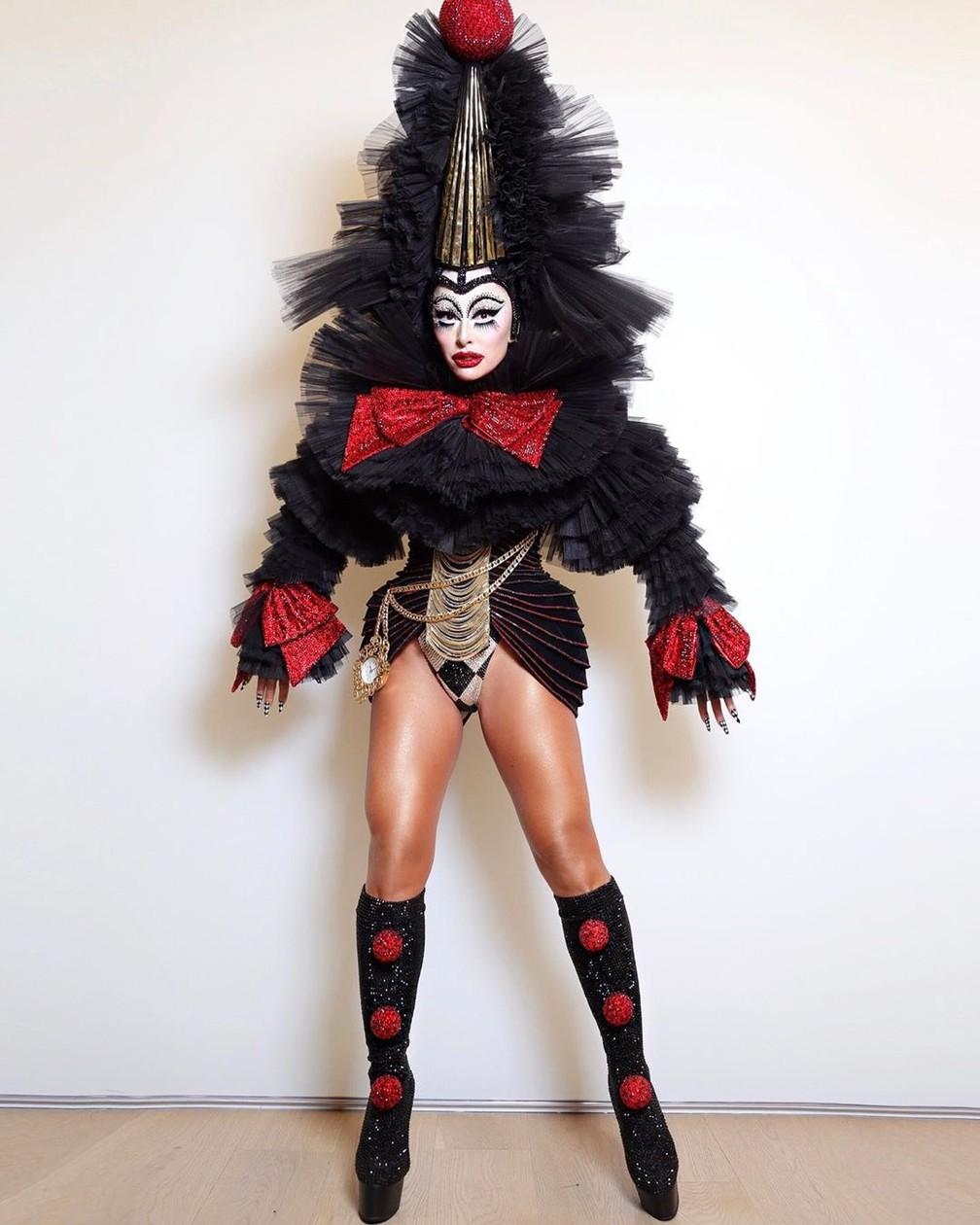 Sabrina Sato caprichou em fantasia de palhaço, inspirada na ópera Pagliacci, para evento de Halloween em São Paulo — Foto: Reprodução/Instagram/SabrinaSato