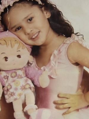 Rafhaella Ribeiro de Alcântara Garota de 7 anos fica tetraplégica após cirurgia de apendicite em Goiás (Foto: Reprodução/TV Anhanguera)