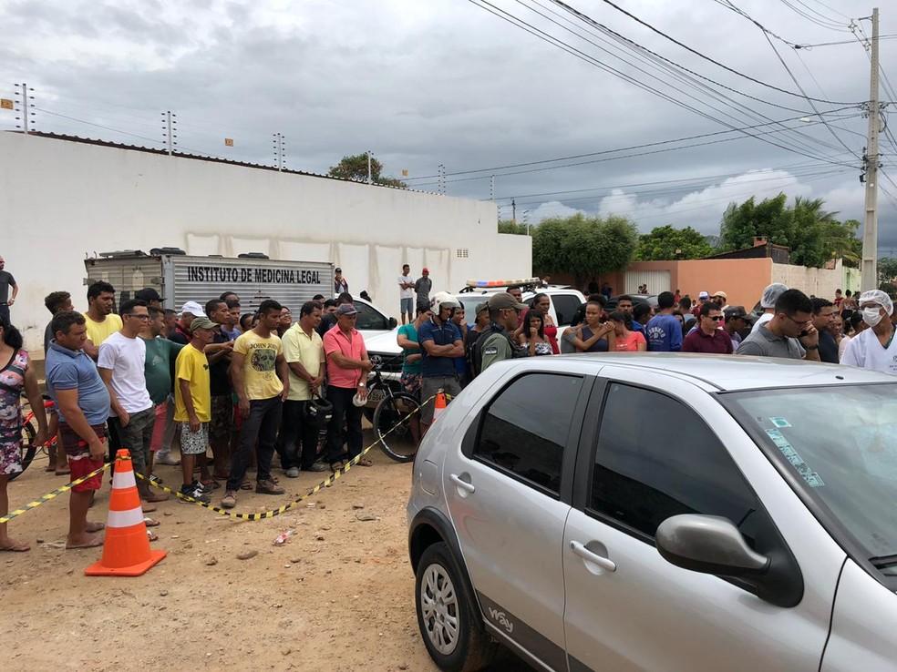 Este foi o terceiro homicídio em Petrolina, em 24 horas — Foto: Paulo Ricardo Sobral / TV Grande Rio