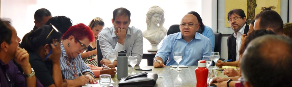 Definição das datas de pagamento aconteceu durante reunião de representantes do governo do RN com o Fórum de Servidores nesta sexta-feira — Foto: Assecom