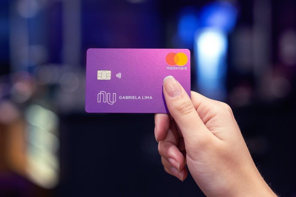 Cartão Nubank pode ser Mastercard Gold ou Platinum — Foto: Divulgação/Nubank