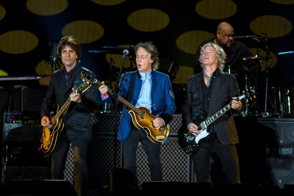 Paul McCartney faz show em São Paulo; FOTOS
