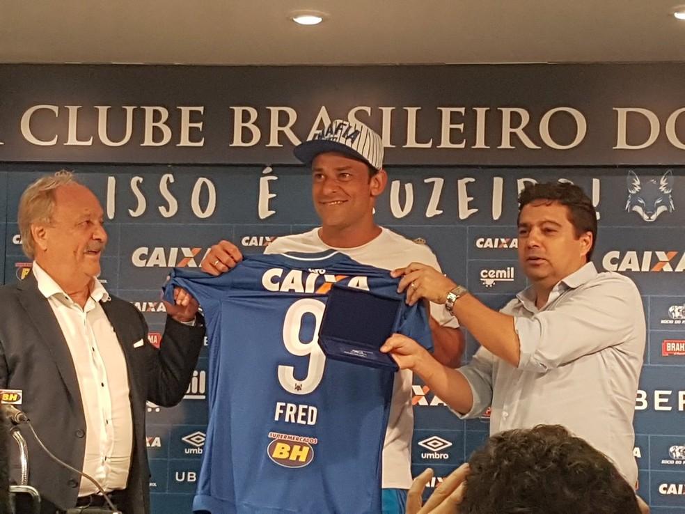 Fred foi apresentado como reforço do Cruzeiro na última quinta (Foto: Gabriel Duarte)