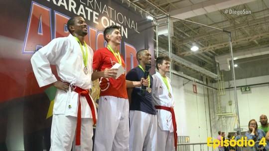 Repórter-carateca ganha prata em sua segunda competição nacional