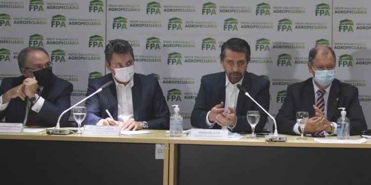 reuniao fpa souza ministro 06102021 - À bancada ruralista, governo promete mostrar Brasil sustentável na COP 26