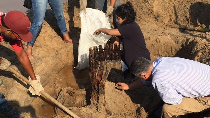 e0862cb4c2 Tesouro  é desenterrado em SP e caixa com referência ao RS é achada ...