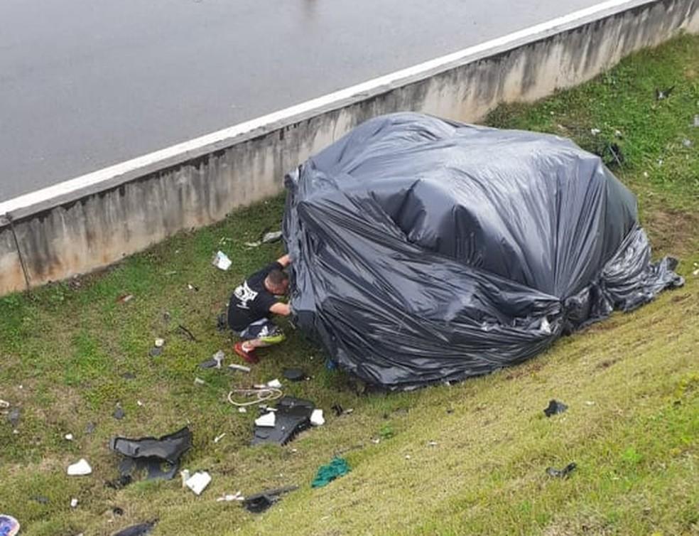 Carro que jovens de Rio Claro estavam ficou destruído após acidente — Foto: Arquivo Pessoal