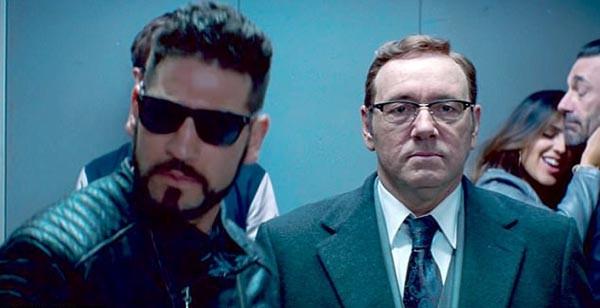 Jon Bernthal e Kevin Spacey no filme Em Ritmo de Fuga (Foto: Divulgação)