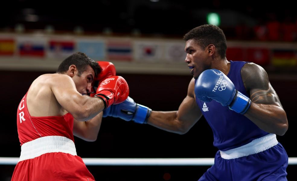 Abner Teixeira vai à semi no boxe e garante medalha nas Olimpíadas de Tóquio — Foto: Buda Mendes/Getty Images