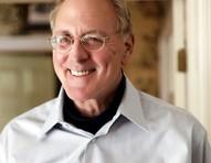 Morre Winston Groom, autor do livro que inspirou 'Forrest Gump'