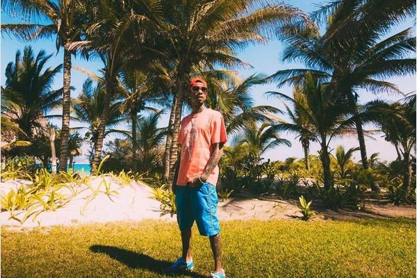O rapper de Tyga de férias no México (Foto: Instagram)