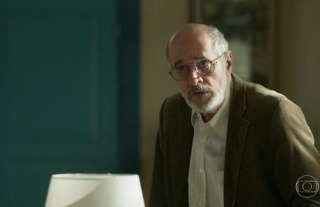 Na quarta-feira (1°), Sóstenes (Marcos Caruso) descobrirá que Luz está escondendo Diana (Laryssa Ayres) em sua casa TV Globo