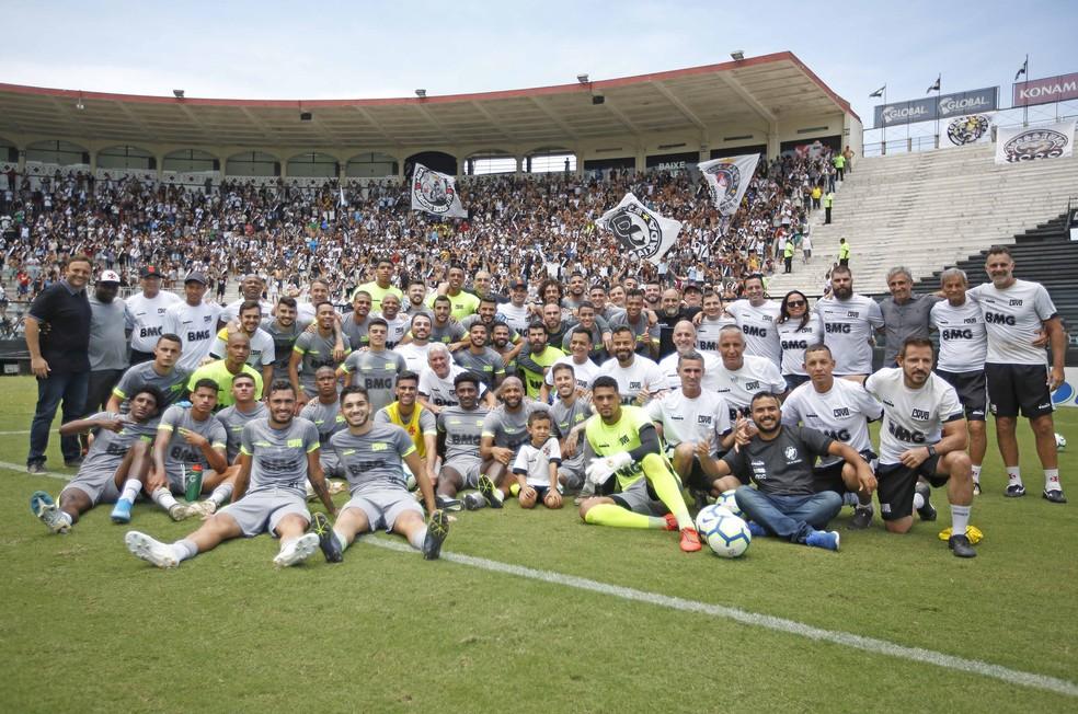 Elenco do Vasco em seu último treino de 2019: 16 jogadores encerram contrato nesta terça — Foto: Rafael Ribeiro / Vasco